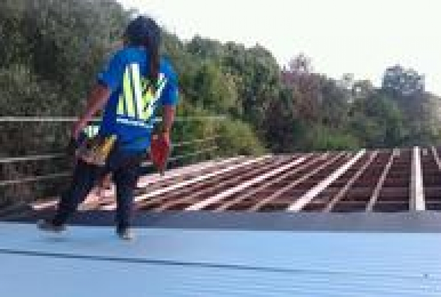 ROOFING SERVICES 1